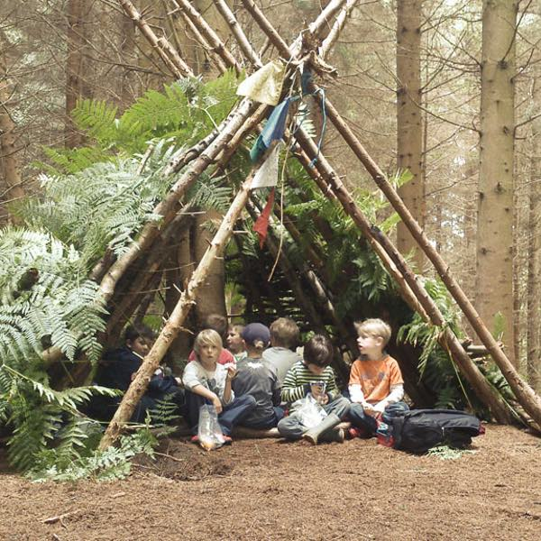 6 to 8 year old Children shelter building